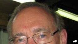 Ngoại trưởng Australia Bob Carr