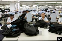 Bất chấp những điều kiện khắc nghiệt, những người đào tị cho biết dân chúng Bắc Triều Tiên vẫn đua nhau xin đi lao động ở nước ngoài.