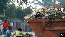 Lixo acumula-se no Lubango - 1:58