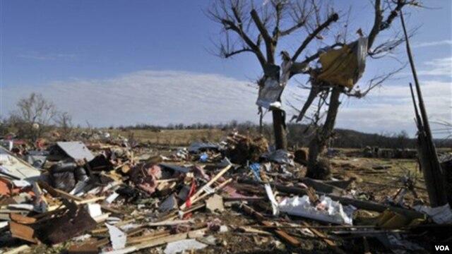 El mal clima se debió a un complejo de tormentas que azotó Estados Unidos.