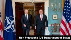 Генсек НАТО Йенс Столтенберг и госсекретарь США Майк Помпео
