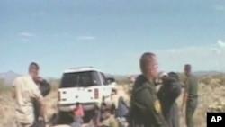 Des illégaux capturés à la frontière avec le Mexique, dans l'Arizona