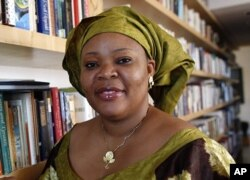 Leymah Gbowee a segunda liberiana galardoada do Nobel da Paz 2011 pela sua contribuição nos esforços da paz e reconciliação no seu país