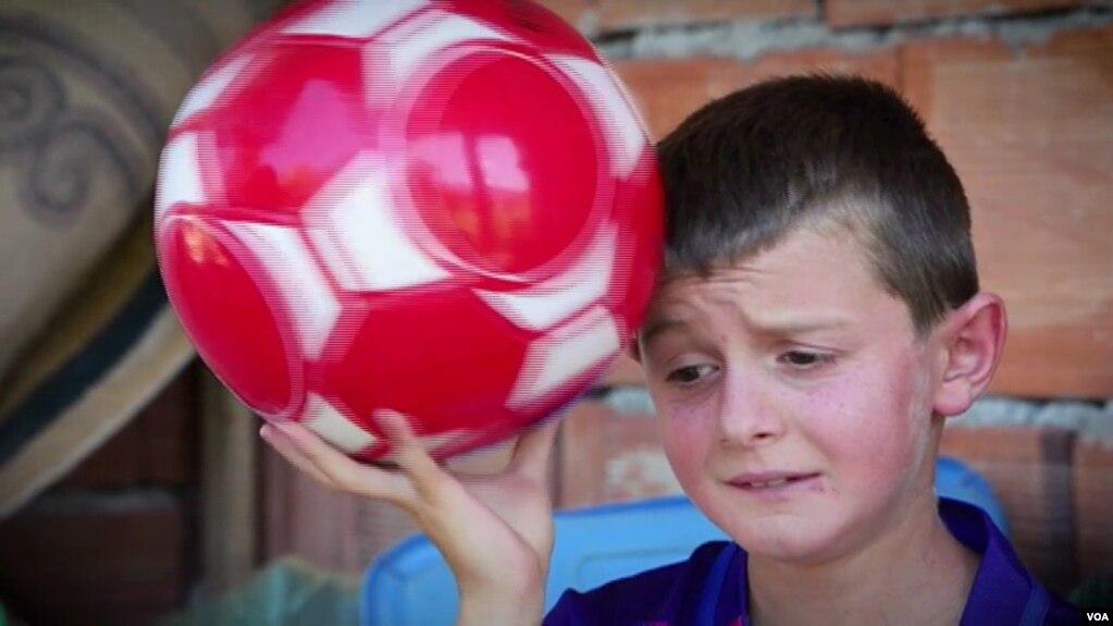 Tiranë: Fëmijët me aftësi të kufizuara dhe kampionët e sportit