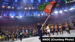 توفیق بخشی، جودوکار افغان که بیرق افغانستان را در روز افتتاحیۀ بازی های المپیک برازیل حمل می کرد.