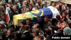 Di merasîma şervanekî Sûryanî de alên MFS û YPG xuya dibin