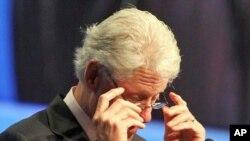 Бил Клинтон бара поефикасно користење на донациите против СИДА-та