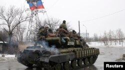 La escalada en las hostilidades en el este de Ucrania llevó a extender las sanciones a Rusia.
