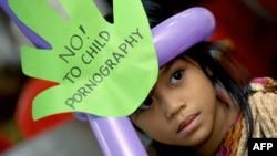 Une écolière lors d'un forum de l'Onu sur la pornographie juvénile, à Manille aux Philippines, le 5 juin 2009.