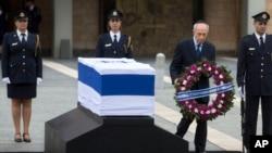 APTOPIX Mideast Israel Obit Ariel Sharon Shimon Peres Israel