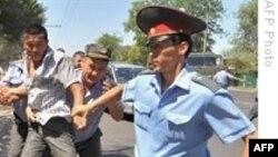 Rusiya Qırğızıstanın devrilmiş hökumətinin nazirini təhvil verib