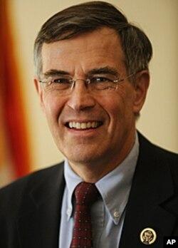 曾做過國會小聽差的現任眾議員霍爾特