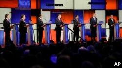 په عکس کې د جمهوري غوښتونکي ګوند کاندیدان دي چې د تیرې پنجشنبې په ورځ یي مناظره لرله.