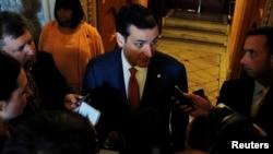 El senador Ted Cruz dijo estar complacido con el esfuerzo de su bancada demócrata por abrir paso a la discusión del control de armas en el Senado.