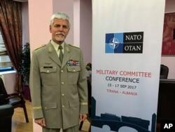 General Petr Pavel, prvi čovek Vojnog komiteta NATO-a, tokom intervjua za Asošijeted pres u Tirani, Albanija, 16. septembra 2017.