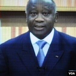 Presiden Laurent Gbagbo berpidato di televisi nasional, bersikeras dirinya tetap presiden berkuasa Pantai Gading.