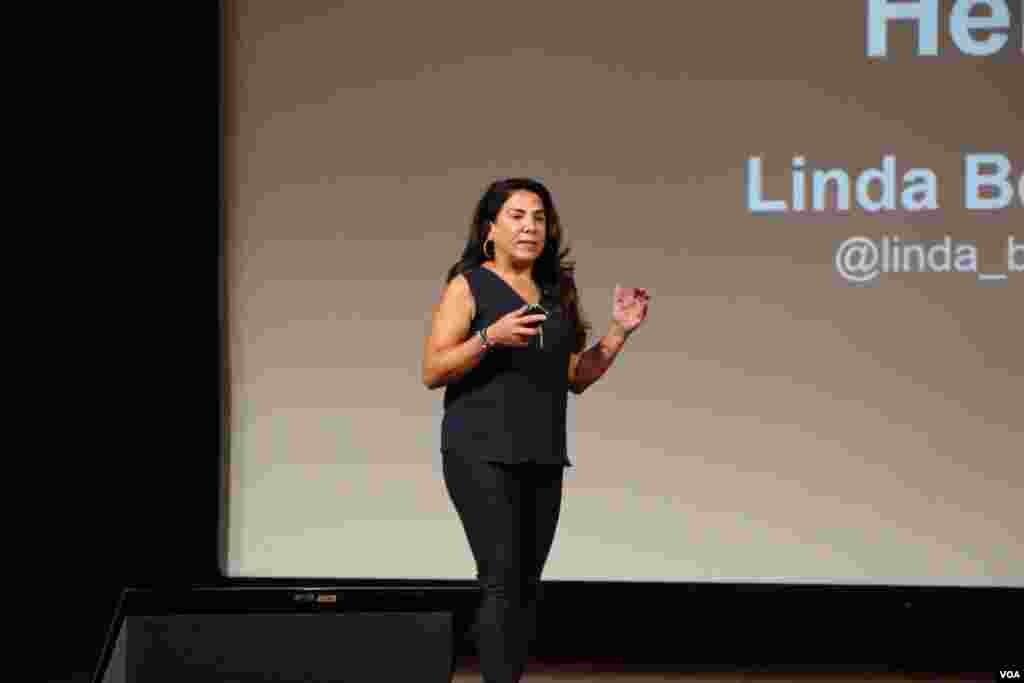لیندا برناردی یکی از سخنرانان همایش همایش آیبریج بود. او به صدای آمریکا گفت شرایط استارتآپهای ایرانی سخت تر از چین و هند نیست.