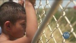 В яких умовах чекають на вирішення своєї долі мігранти у мексиканському містечку Нуево-Ларедо. Відео