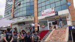 Diyarbakır'da Avukatlardan Adliye Önünde Oturma Eylemi