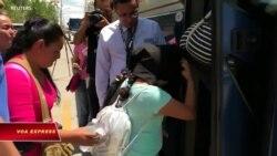 Mỹ: Chờ đợi mỏi mòn, di dân chán nản hồi hương