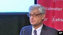 L'ancien secrétaire américain au Trésor Robert Rubin à la conférence de New York