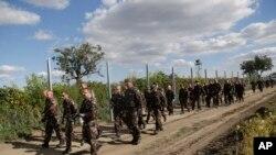 Parlamenti hungarez autorizoi ushtrinë që të përdorë forcë jo vdekjeprurëse kundër migruesve