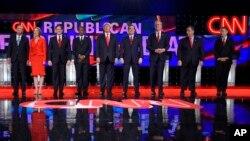 Les candidats républicains avant le débat présidentiel organisé par CNN à l'Hôtel Venetian le 15 décembre 2015, à Las Vegas. (Photo AP)