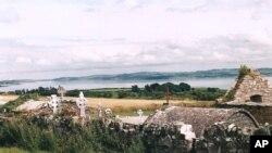 Obitelj Hartigan iz Virginije sakrila je svoju kutiju s porukom u zidu groblja Kilkirren u okrugu Clare u Irskoj