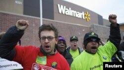 """位於芝加哥的沃爾瑪商店員工在""""黑色星期五""""當天舉行罷工"""