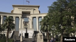 Mahkamah Agung Konstitusi Mesir sedang bersidang untuk mendiskusikan pemulihan kembali Parlemen Mesir atas perintah Presiden Morsi (Foto: dok).