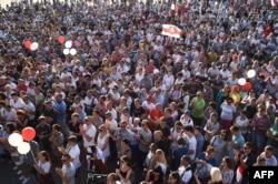 17일 벨라루스 민스크에서 당국이 발표한 대선 결과를 거부하는 대규모 반정부 시위가 계속됐다.