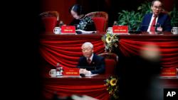 """Tổng bí thư Nguyễn Phú Trọng tại cuộc họp Đại hội Đảng 13 ở Hà Nội hôm 1/2. Đại hội 13 được cho là """"gia cố thêm chế độ độc đoán của Việt Nam trong 5 năm tới."""