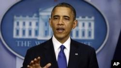Tổng thống Obama nói chuyện với các nhà báo về 'bờ vực tài chính'