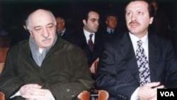 Fətullah Gülən və Rəcəb Təyyib Ərdoğan, baş nazirin siyasi karyerasının erkən çağlarında