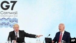 جو بایدن، رئیس جمهوری آمریکا و بوریس جانسون، نخست وزیر بریتانیا در اجلاس گروه هفت - ۱۲ ژوئن ۲۰۲۱