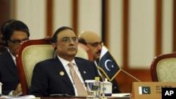 صدر آصف علی زرداری (فائل فوٹو)