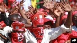 UManyano weMDC Alliance okhokhelwa nguMnu. Nelson Chamisa ukhanya ulakho ukuthi ungasusa ibandla leZanu PF embusweni.