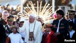 Đức Giáo Hoàng Phan-xi-cô chuẩn bị kết thúc chuyến đi của ngài tới Bolivia.