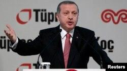 """Presiden Turki Recep Tayyip Erdogan hari Senin (15/12) mengatakan penangkapan 24 pendukung Gulen untuk menanggapi """"operasi kotor"""" kekuatan anti-pemerintah."""