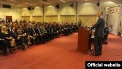 Premijer Milo Đukanović govori na konferenciji u Budvi (gov.me)