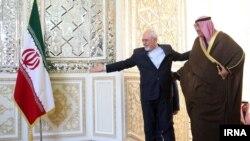 فرستاده ویژه امیر کویت پیش از دیدار با روحانی با ظریف ملاقات کرد.