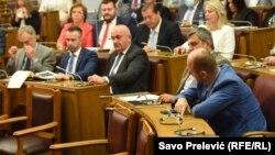 ARHIVA - Crnogorski parlamenet zasjeda o smjeni ministra Vladimira leposavića (Foto: RSE/Savo Prelević)
