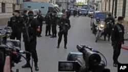 Les forces de police gardent le Palais de justice d'Alger, le 10 janvier 2019.