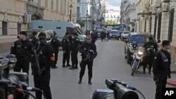 Les forces de police gardent le palais de justice d'Alger, le mardi 10 janvier 2019.