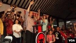 Capres Joko Widodo berkampanye di Solo, Jumat, 13 Juni 2014 (Foto: VOA/Yudha)