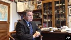 史密斯眾議員接受美國之音專訪