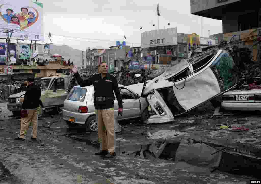 کوئٹہ میں جمعرات کو ہونے والے بم دھماکے درجنوں افراد کی ہلاکت کا سبب بنے