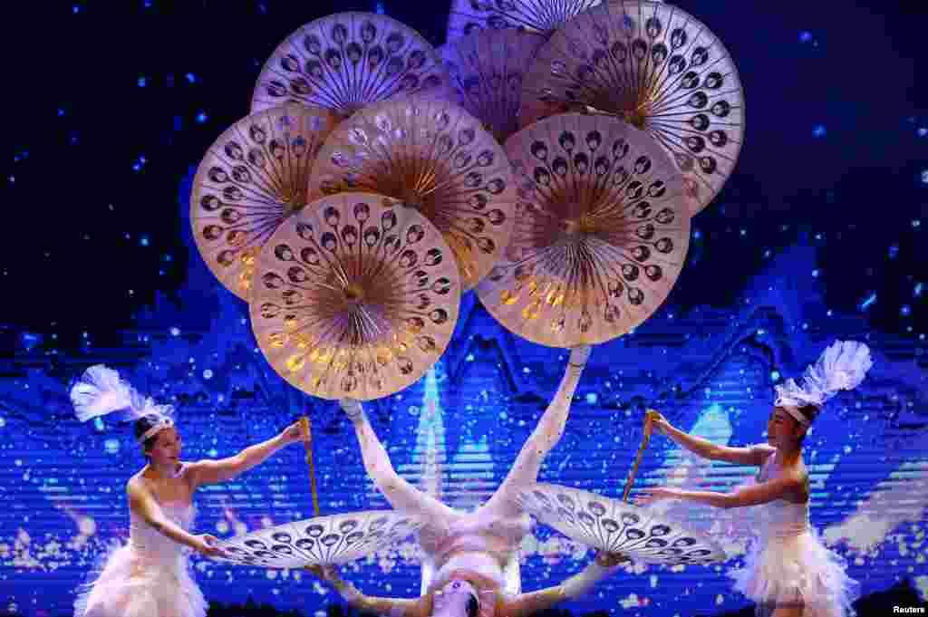 Pertunjukan dalam perayaan menyambut Tahun Baru China di Zagreb, Kroasia.