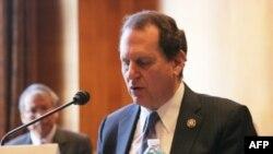 美国国会台湾事务议员团共和党共同主席迪亚斯.巴拉特