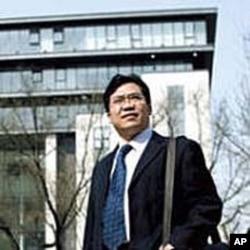 北京律师周泽承诺帮助朱瑞峰